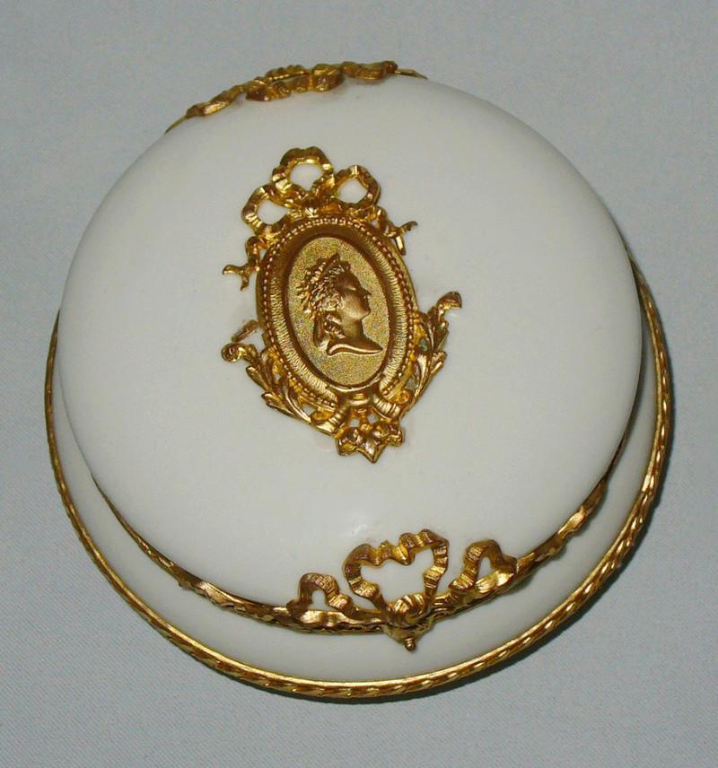 A vendre: meubles et objets divers XVIIIe et Marie Antoinette - Page 7 33982610
