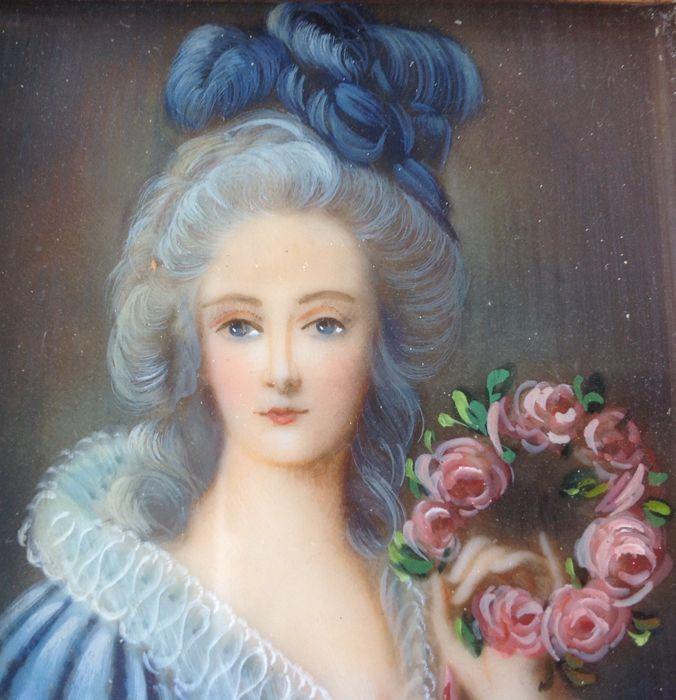 A vendre: miniatures de Marie Antoinette? - Page 6 Dc066910
