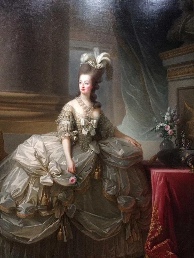 Portraits of Marie-Antoinette and Courtly Life Jewel-10