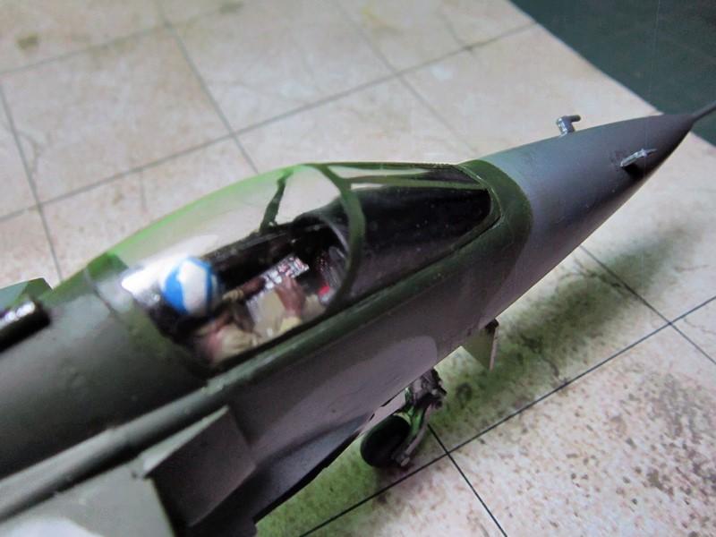 """Jaguar """"A"""" appui tactique [1/50° de Heller]  voila il est Fini les photos(tof faites dehors en plus) - Page 2 Img_6104"""