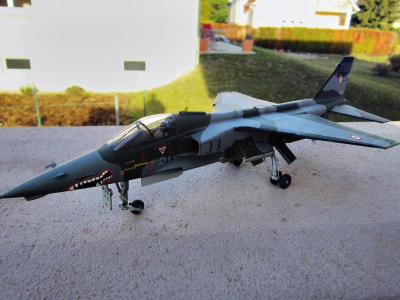 """Jaguar """"A"""" appui tactique [1/50° de Heller]  voila il est Fini les photos(tof faites dehors en plus) - Page 3 Img_6127"""