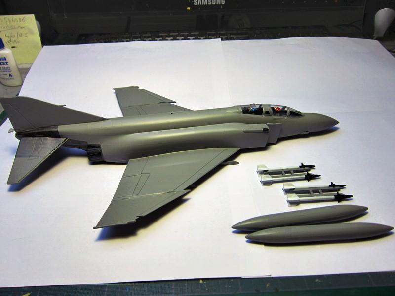 F-4S Navy Phantom de Italeri au 48° (rajout des photos du dio fini) Img_6474