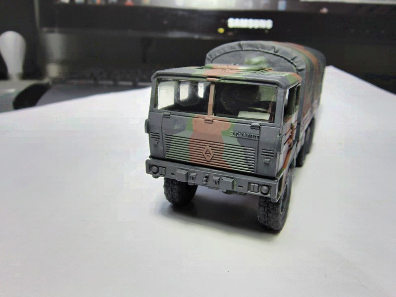 TRM 10 000 (Berliet au 1/48) Img_6571