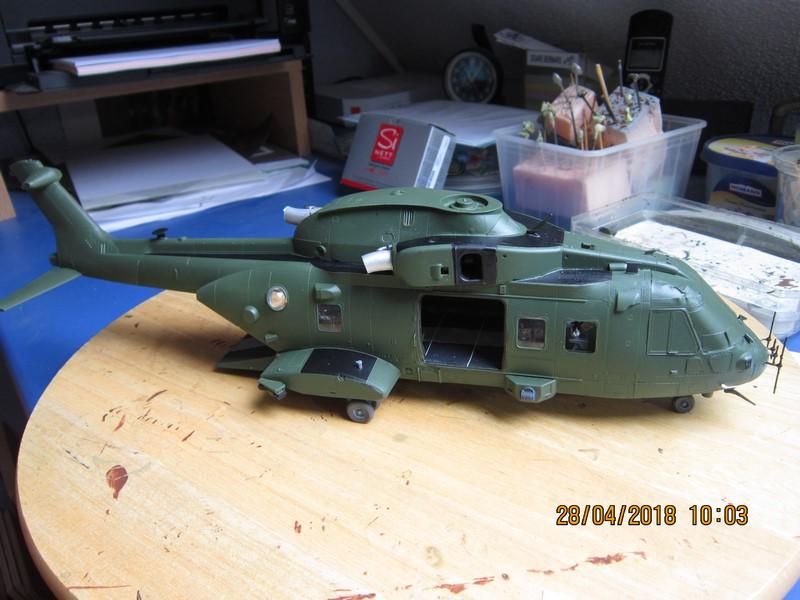 Agusta Westland Merlin HC 3 (1/48 de Airfix)(fini) - Page 2 Img_6989