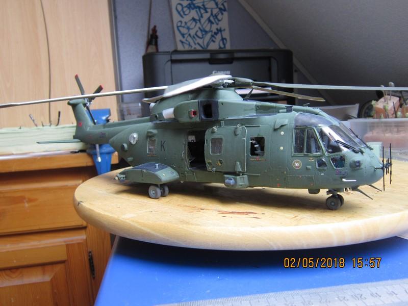 Agusta Westland Merlin HC 3 (1/48 de Airfix)(fini) - Page 2 Img_7017