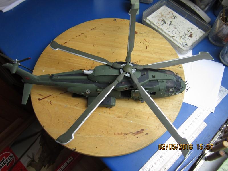 Agusta Westland Merlin HC 3 (1/48 de Airfix)(fini) - Page 2 Img_7018