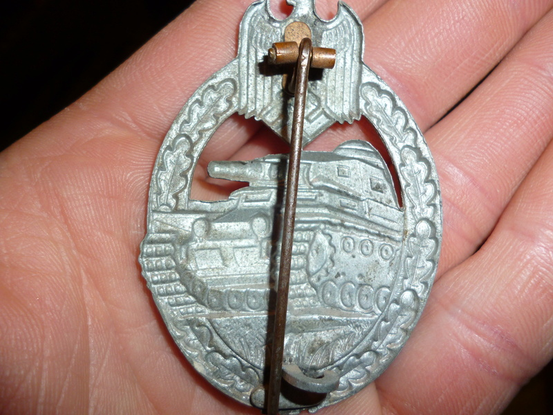 badge panzer argent P1000910