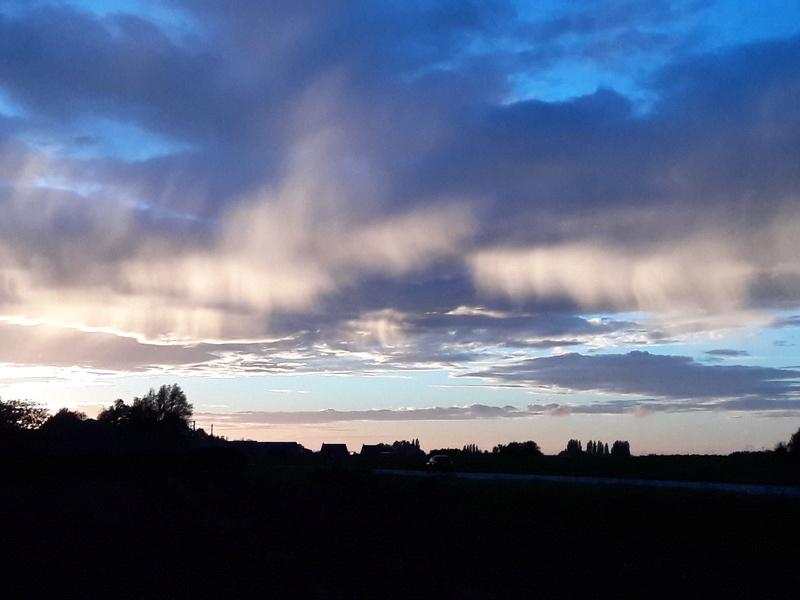 des nuages un peu atypiques 20171011