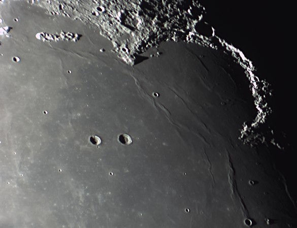 quelques gros plan lunaires Lune_231