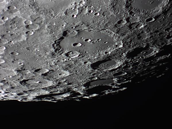 quelques gros plan lunaires Lune_232