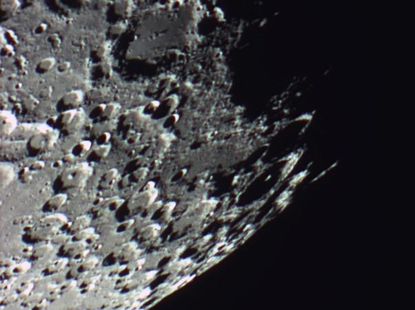 quelques gros plan lunaires Lune_235