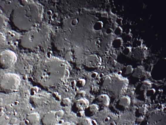 quelques gros plan lunaires Lune_237