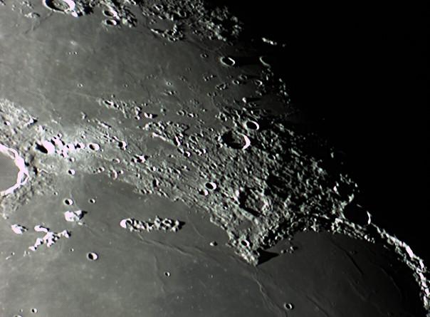 quelques gros plan lunaires Lune_241
