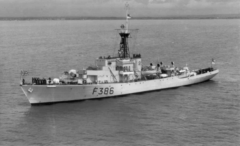 FREGATES ASM CLASSE BROADSWORD (TYPE 22) NV (TERMINE) Hms_am10