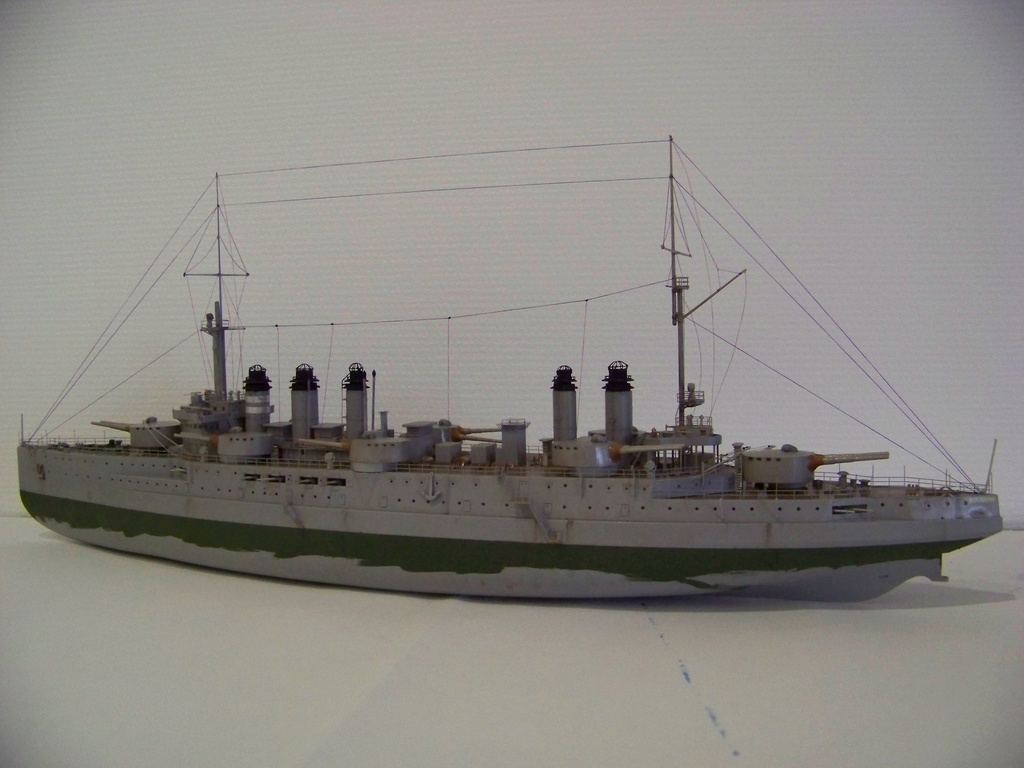 Cuirassé Voltaire Hobby Boss 1/350, diorama. - Page 3 100_9821