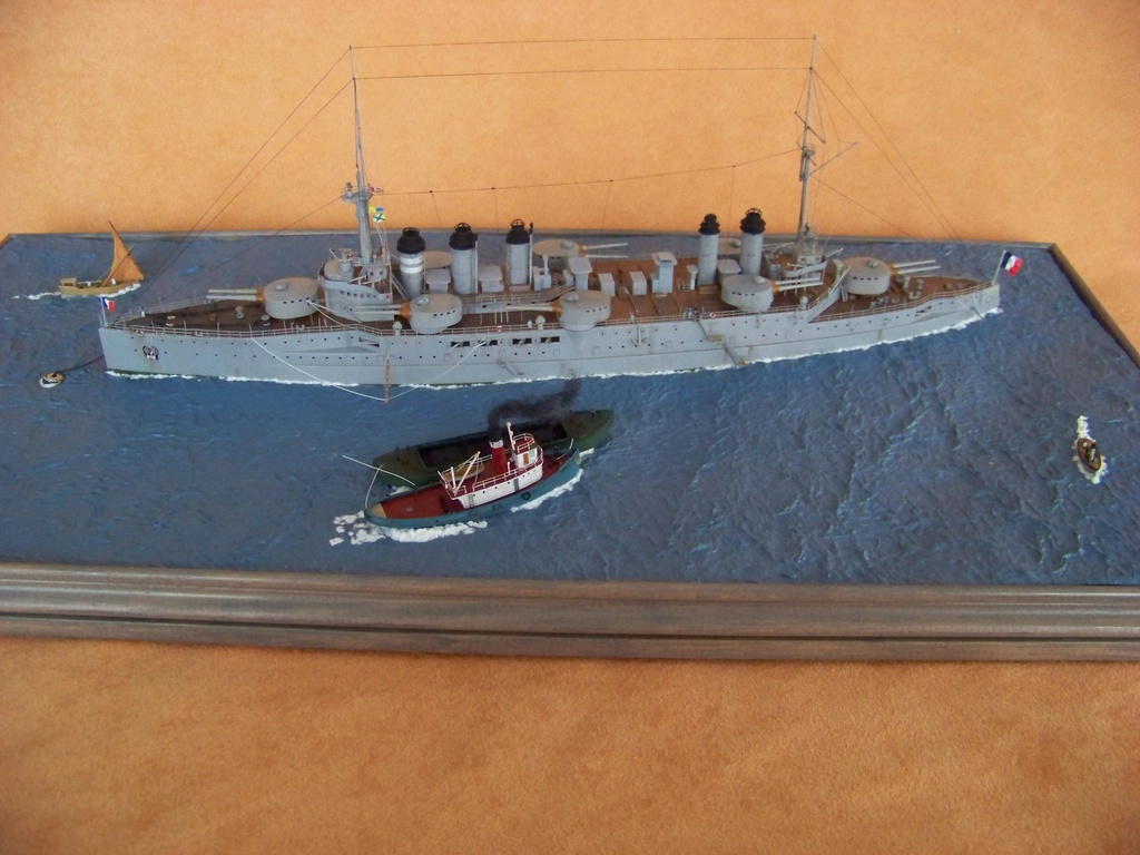 Cuirassé Voltaire Hobby Boss 1/350, diorama. - Page 3 100_9822