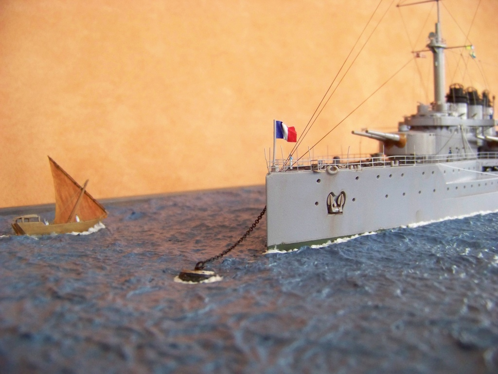 Cuirassé Voltaire Hobby Boss 1/350, diorama. - Page 3 100_9826