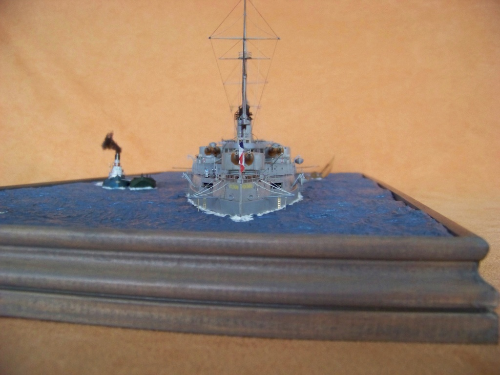 Cuirassé Voltaire Hobby Boss 1/350, diorama. - Page 3 100_9830