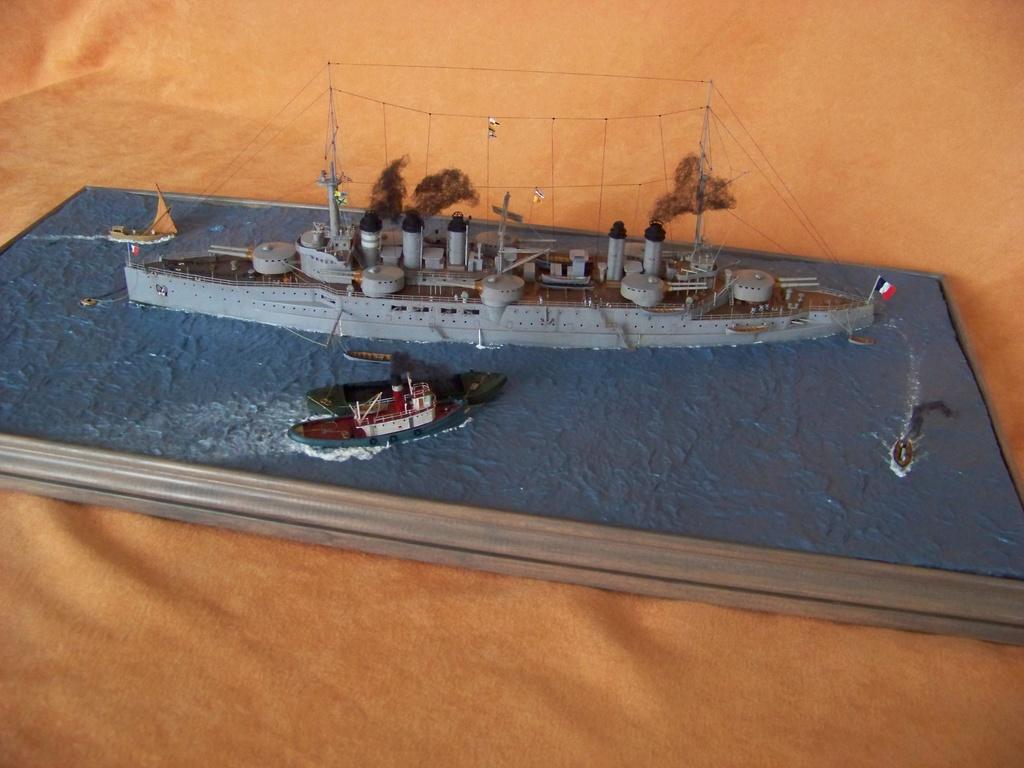 Cuirassé Voltaire, Hobby Boss 1/350 diorama terminé. 100_9836
