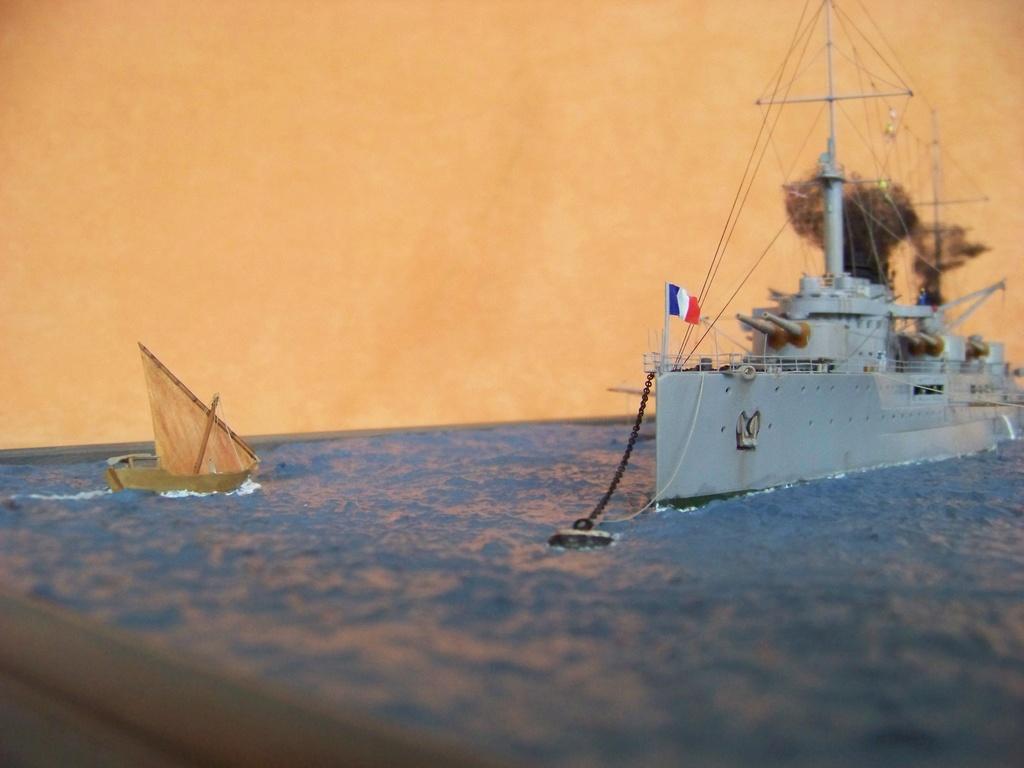 Cuirassé Voltaire, Hobby Boss 1/350 diorama terminé. 100_9837