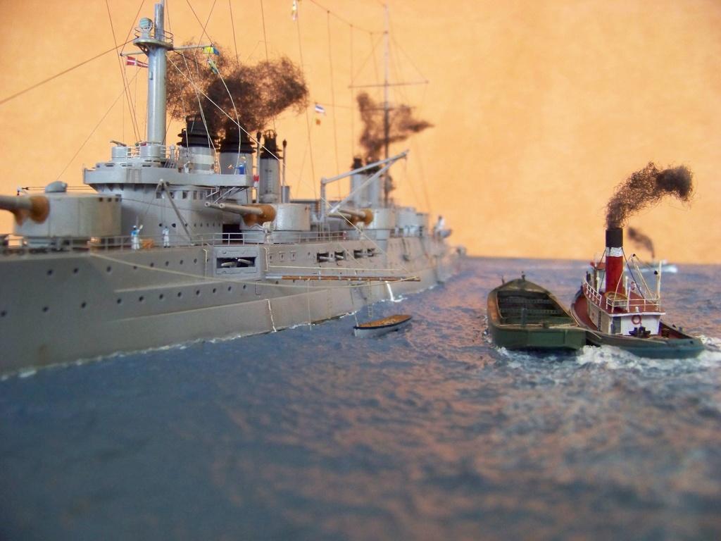 Cuirassé Voltaire, Hobby Boss 1/350 diorama terminé. 100_9840