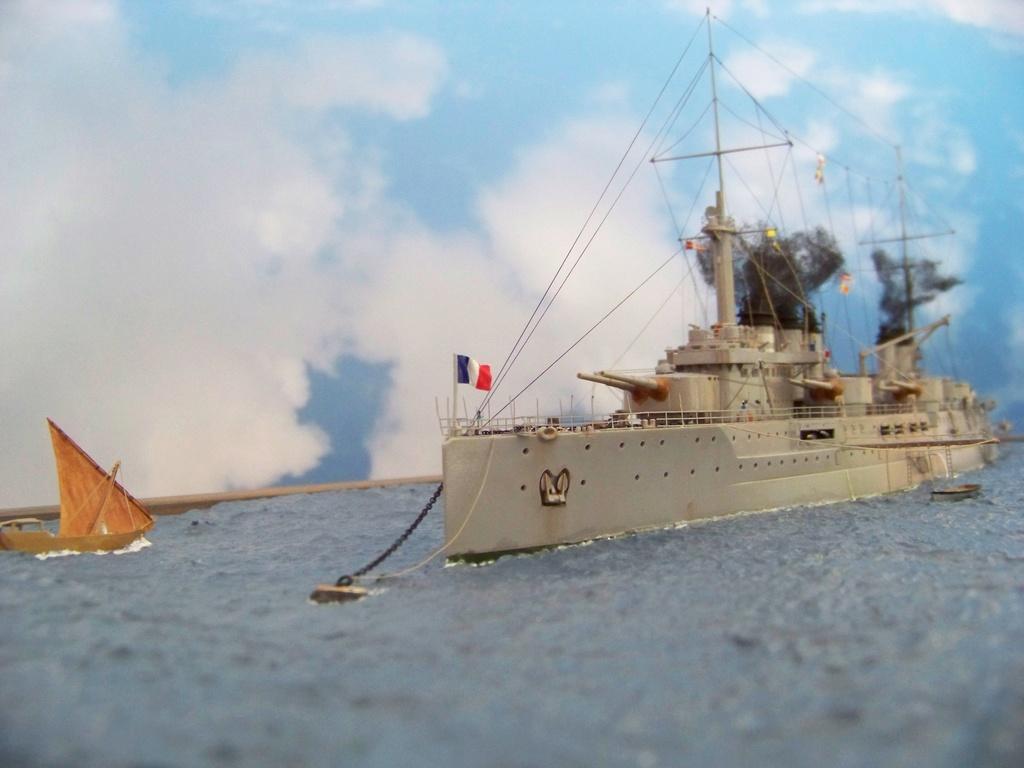 Cuirassé Voltaire, Hobby Boss 1/350 diorama terminé. 100_9910