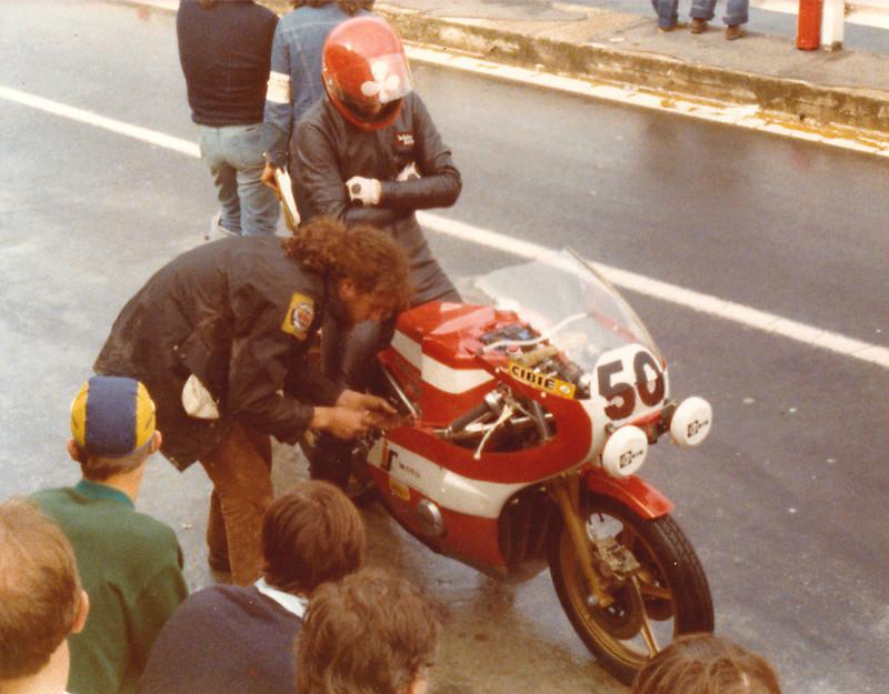 Forum des motos de courses spéciales et anciennes - Portail 1610