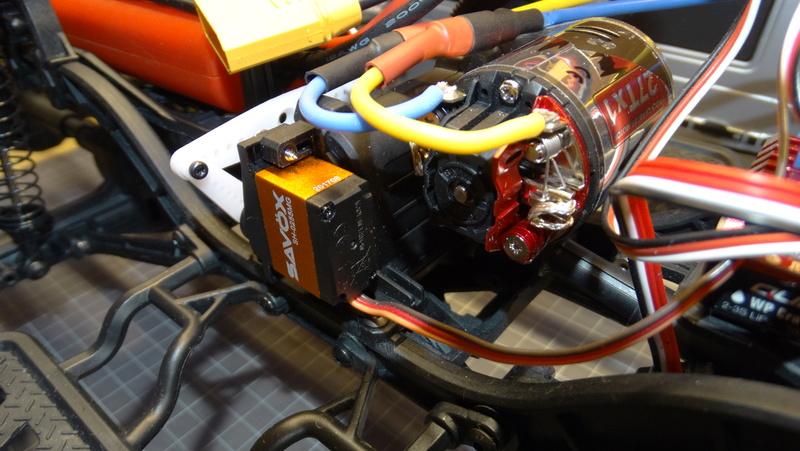 Surpass WILD 3 6WD Crawler 1:10 Dsc09223