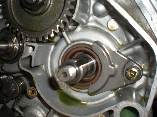 Ouvrir un moteur de KTM 200 2T Vilebr10