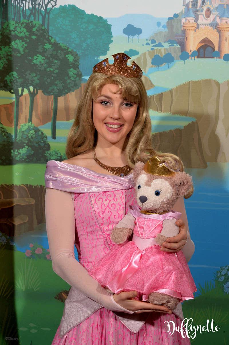 [Costumes] Robes de Princesses et tenues de Princes - Page 25 13171313