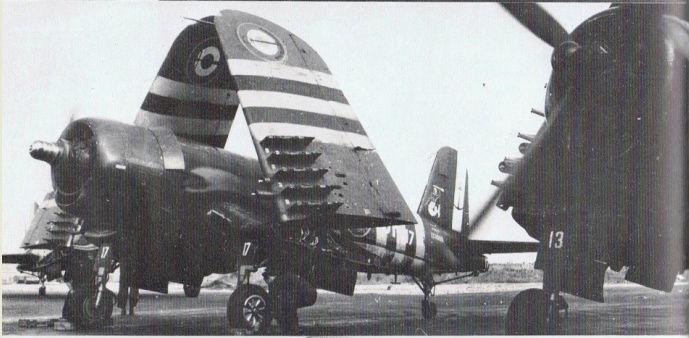 [Les anciens avions de l'aéro] F4 U7 Corsair - Page 27 F4u-7_14