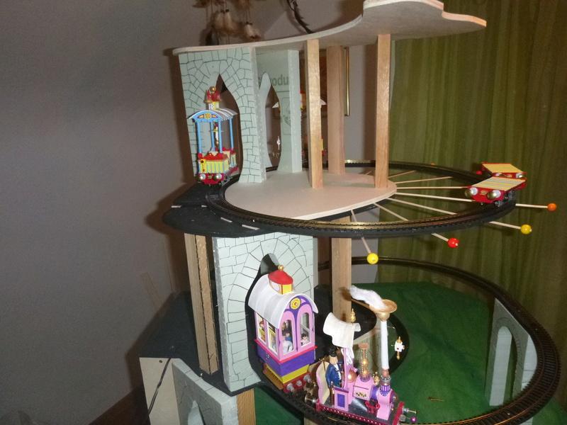 Nellie Rowland Emett Smallbrook Studio Anlage mit 8Tunnels und Berg, Luftschiff  P1060884