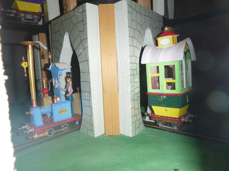 Nellie Rowland Emett Smallbrook Studio Anlage mit 8Tunnels und Berg, Luftschiff  P1060885