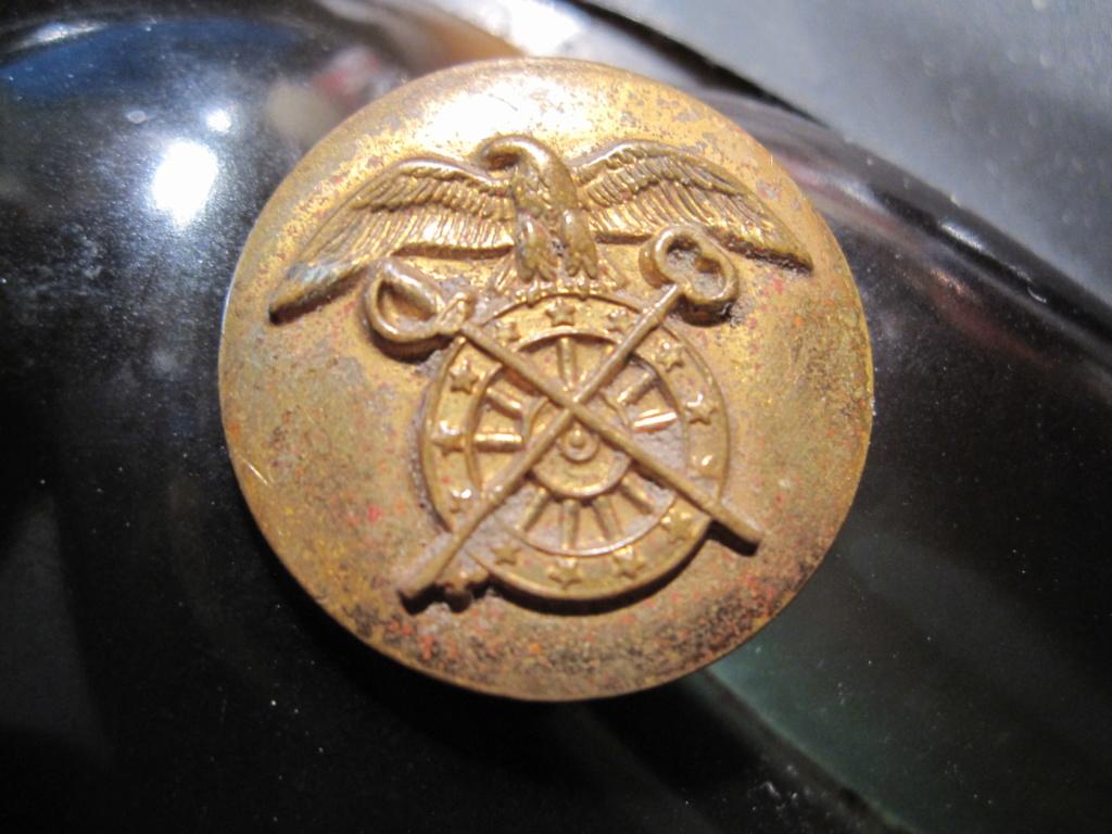 Bouton ou autre avec un aigle pour identification Img_5116