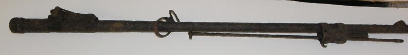 Besoin d'aide pour identification d'armes Imgp9312