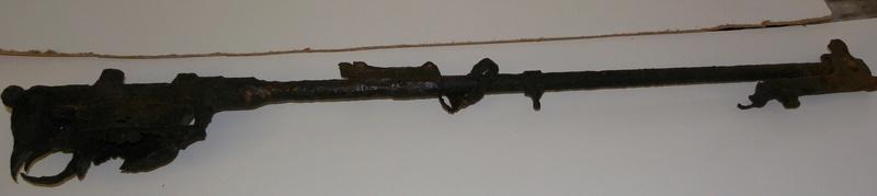 Besoin d'aide pour identification d'armes Imgp9315