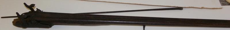 Besoin d'aide pour identification d'armes Imgp9319