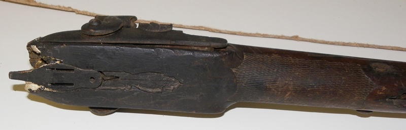 Besoin d'aide pour identification d'armes Imgp9321