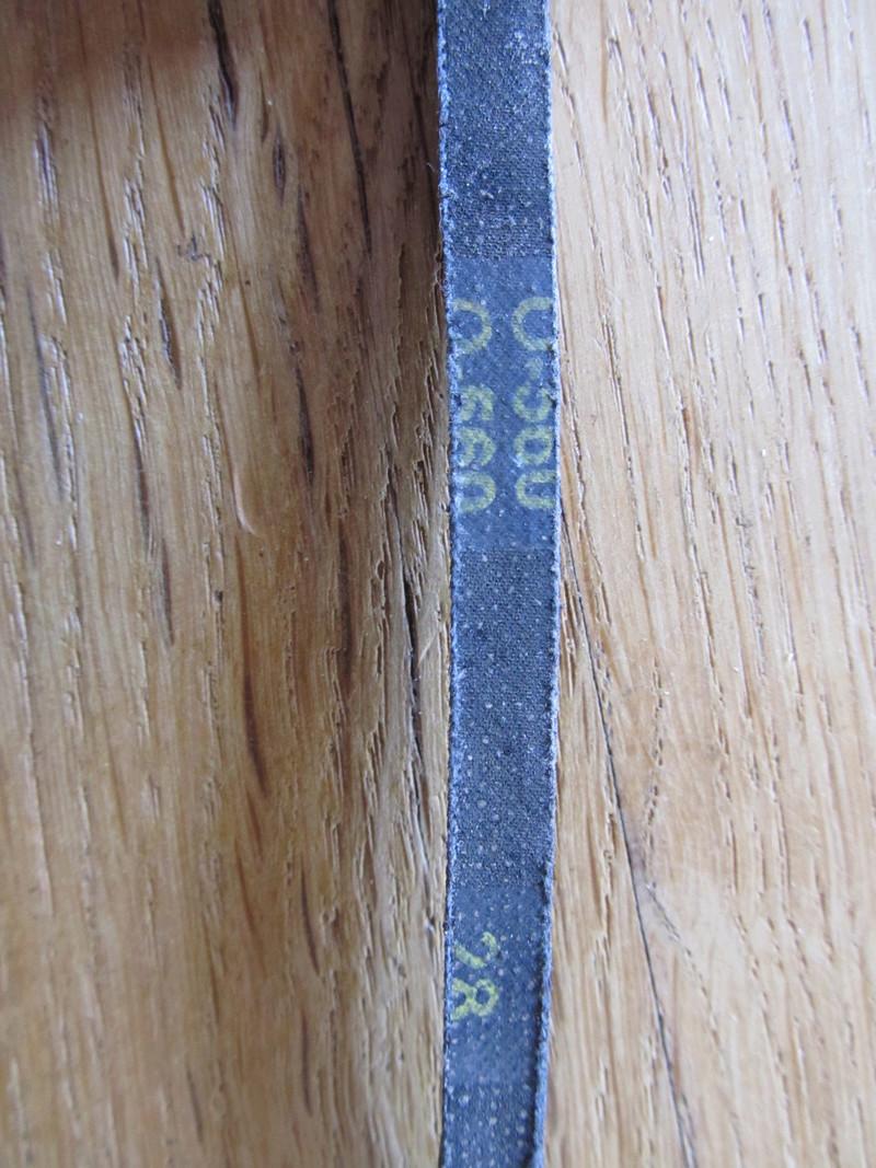 Tour à bois Delta F46-255, courroie cassée, où trouver la remplaçante? Casse_17