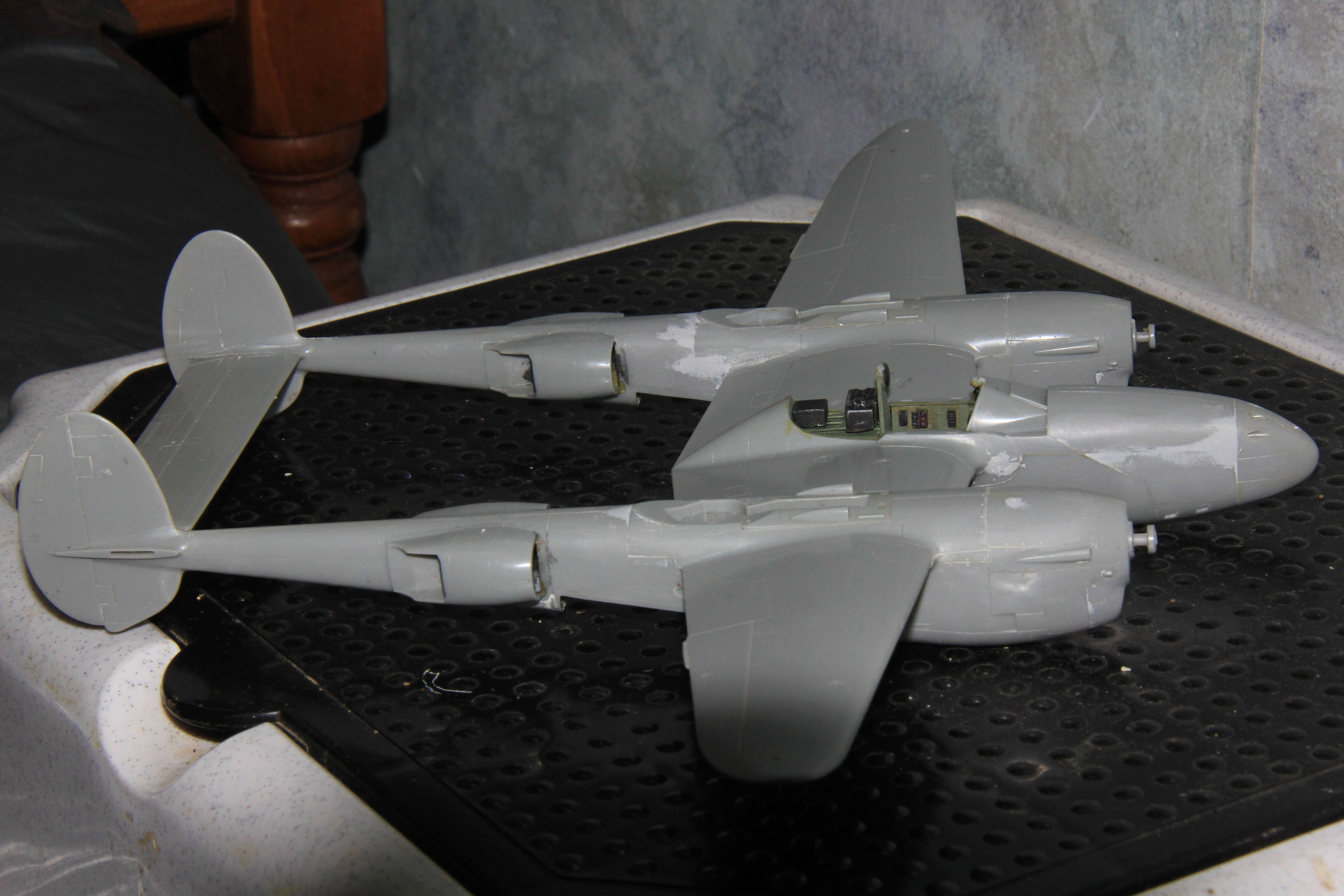 Devoirs de vacances P-38 J Hasegawa 1/48 08210
