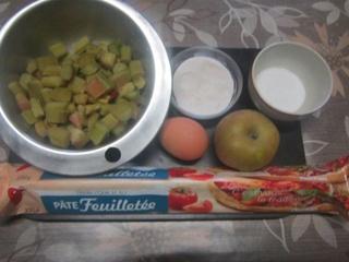 Chausson aux pommes et rhubarbe.  16708610