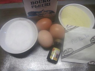 Petits gâteaux à la semoule crème pistache. 22729_10
