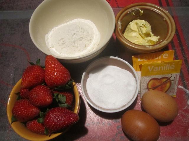 clafouti aux fraises.micro-ondes. Img_6912
