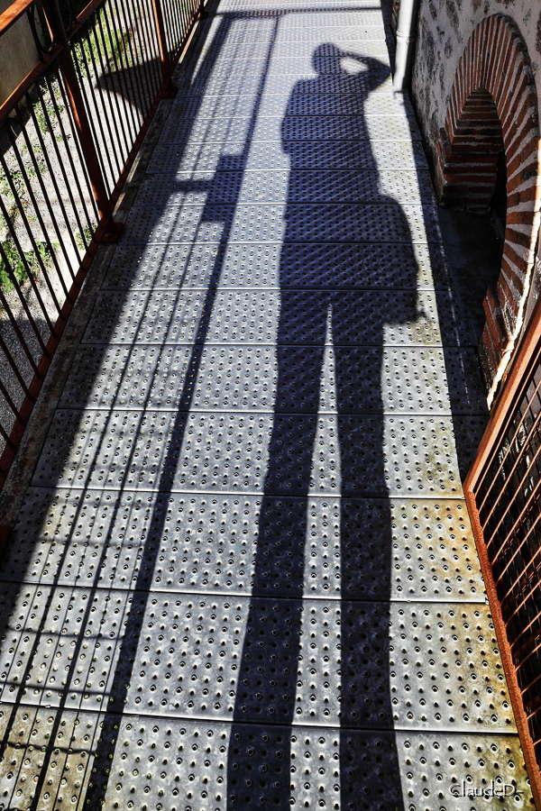 Je ne suis que l'ombre de moi-même !! - Page 9 Ombrem12
