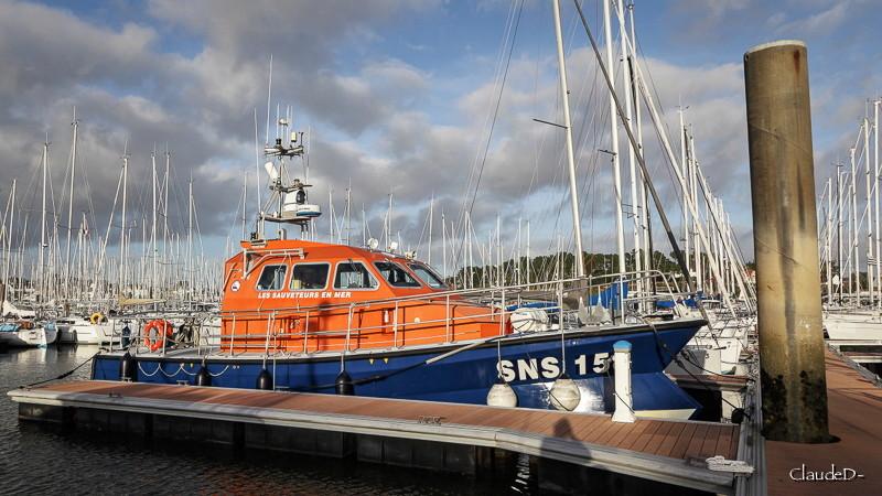 SNSM (Société nationale de sauvetage en mer) - Page 11 Sns15810