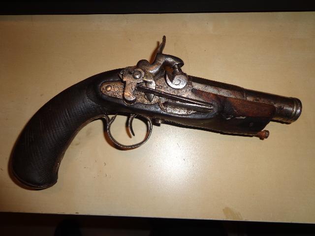 pistolet Dsc07110