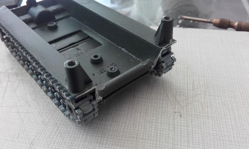 M113  en carton sur base solido 20180550