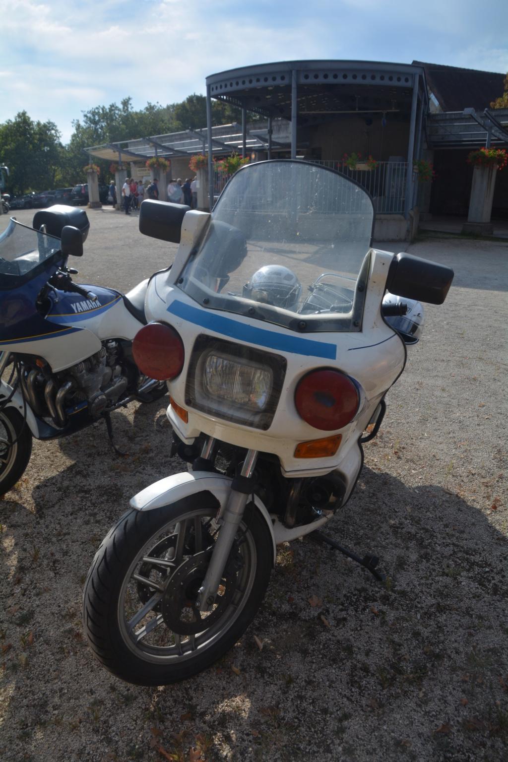 J'ai trouvé la moto qui a inspirée les Motos Playmobil!!! Dsc_0110