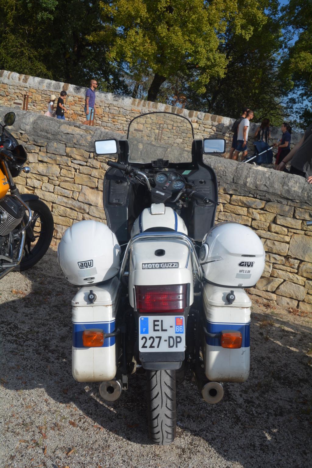 J'ai trouvé la moto qui a inspirée les Motos Playmobil!!! Dsc_0111