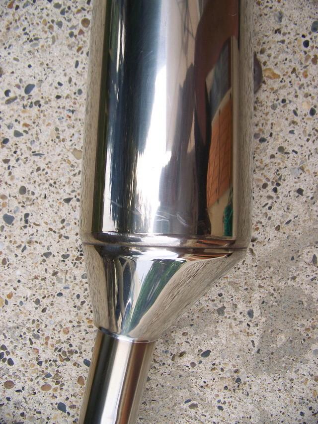 (Cherche) pot échappement droit modèle 2006 05010